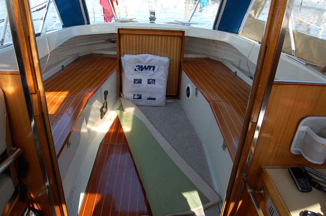 LM28 Cockpitboden
